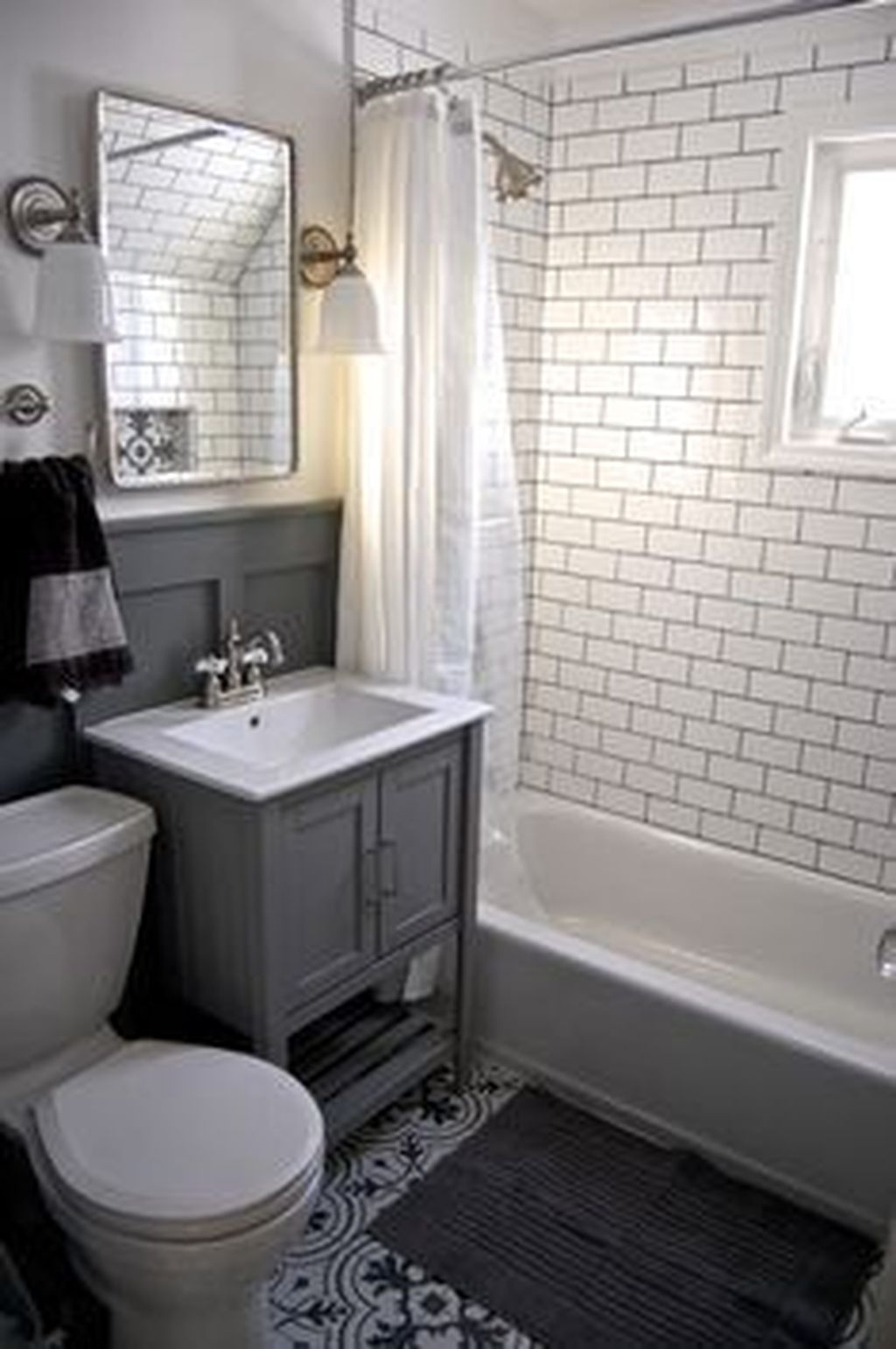 Totally Adorable Small Bathroom Decor Ideas 24