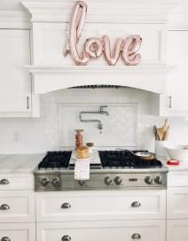 Totally Adorable Valentine Kitchen Decor Ideas 01