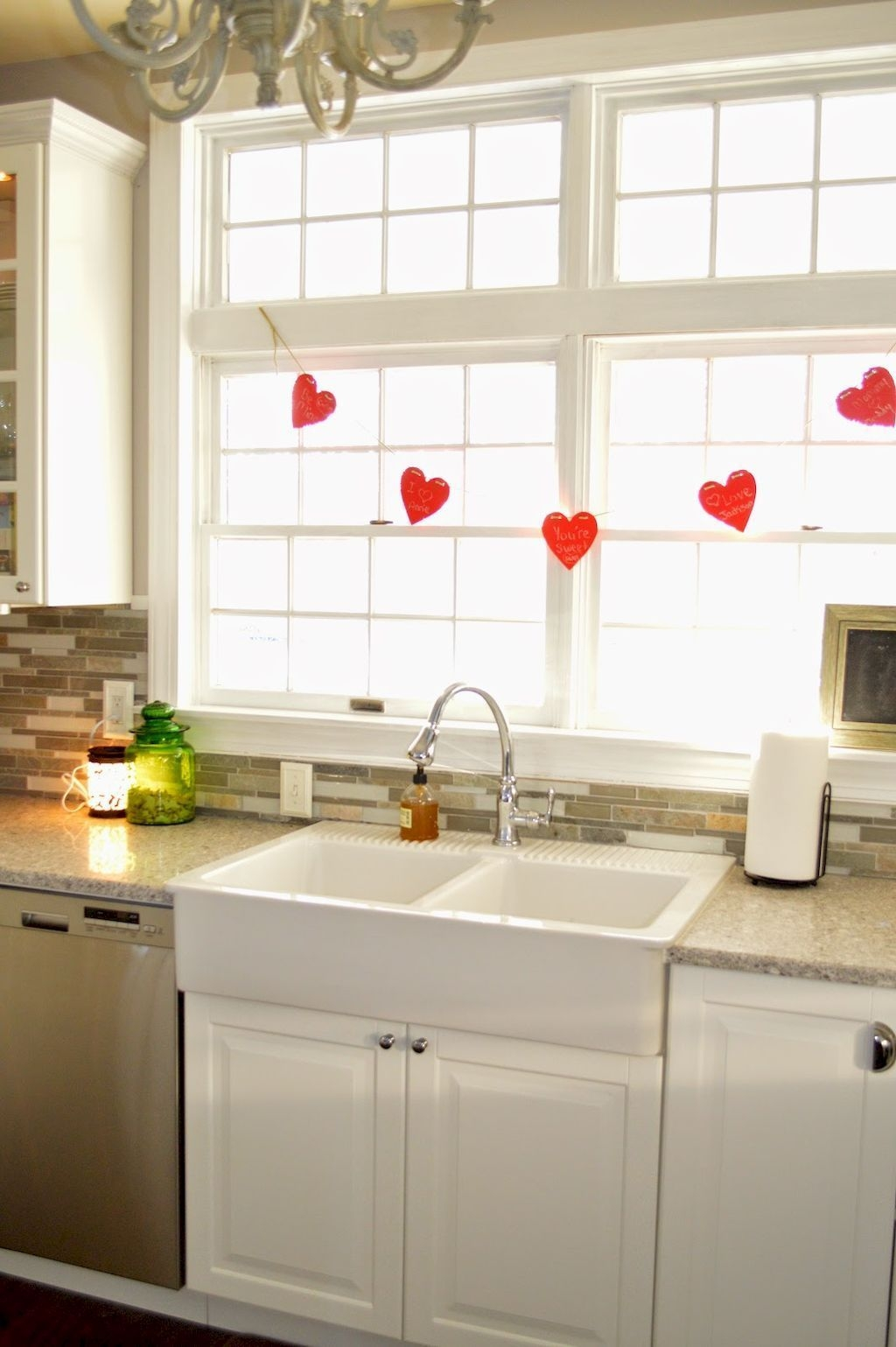 Totally Adorable Valentine Kitchen Decor Ideas 39