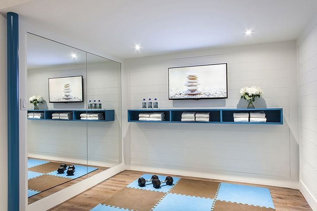 Amazing Home Gym Room Design Ideas 19