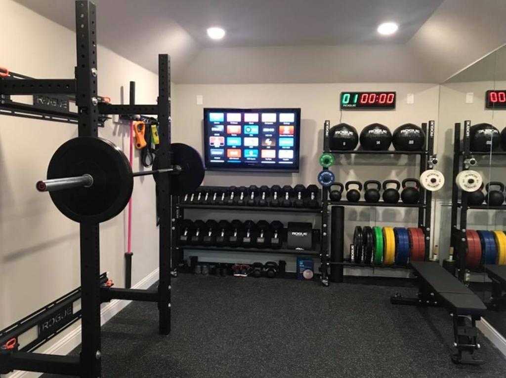 Amazing Home Gym Room Design Ideas 28