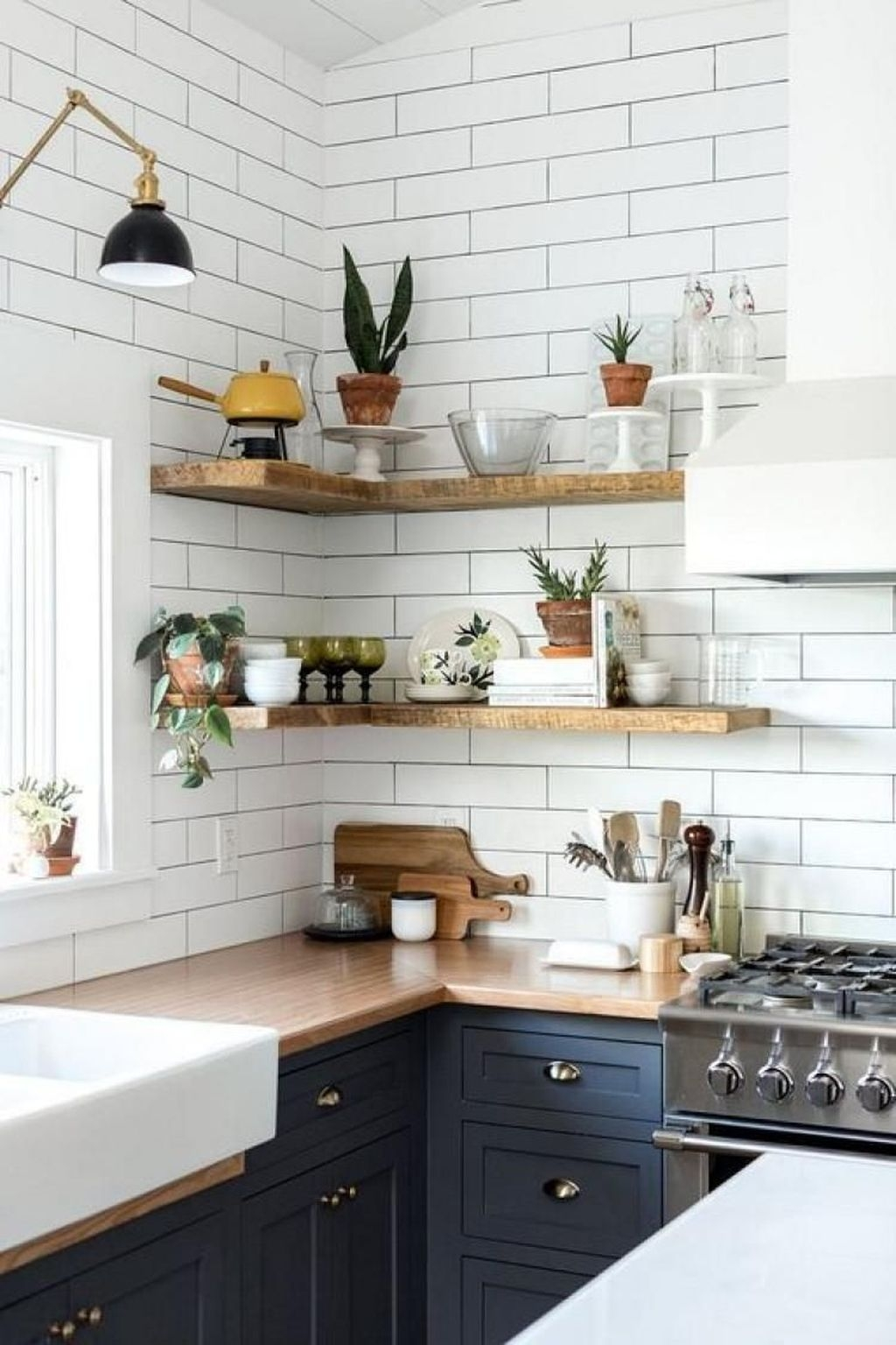 Totally Inspiring Small Kitchen Design Ideas For Your Small Home 46