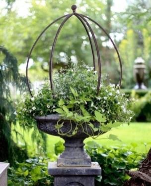 Beautiful Flower Garden Design Ideas 24