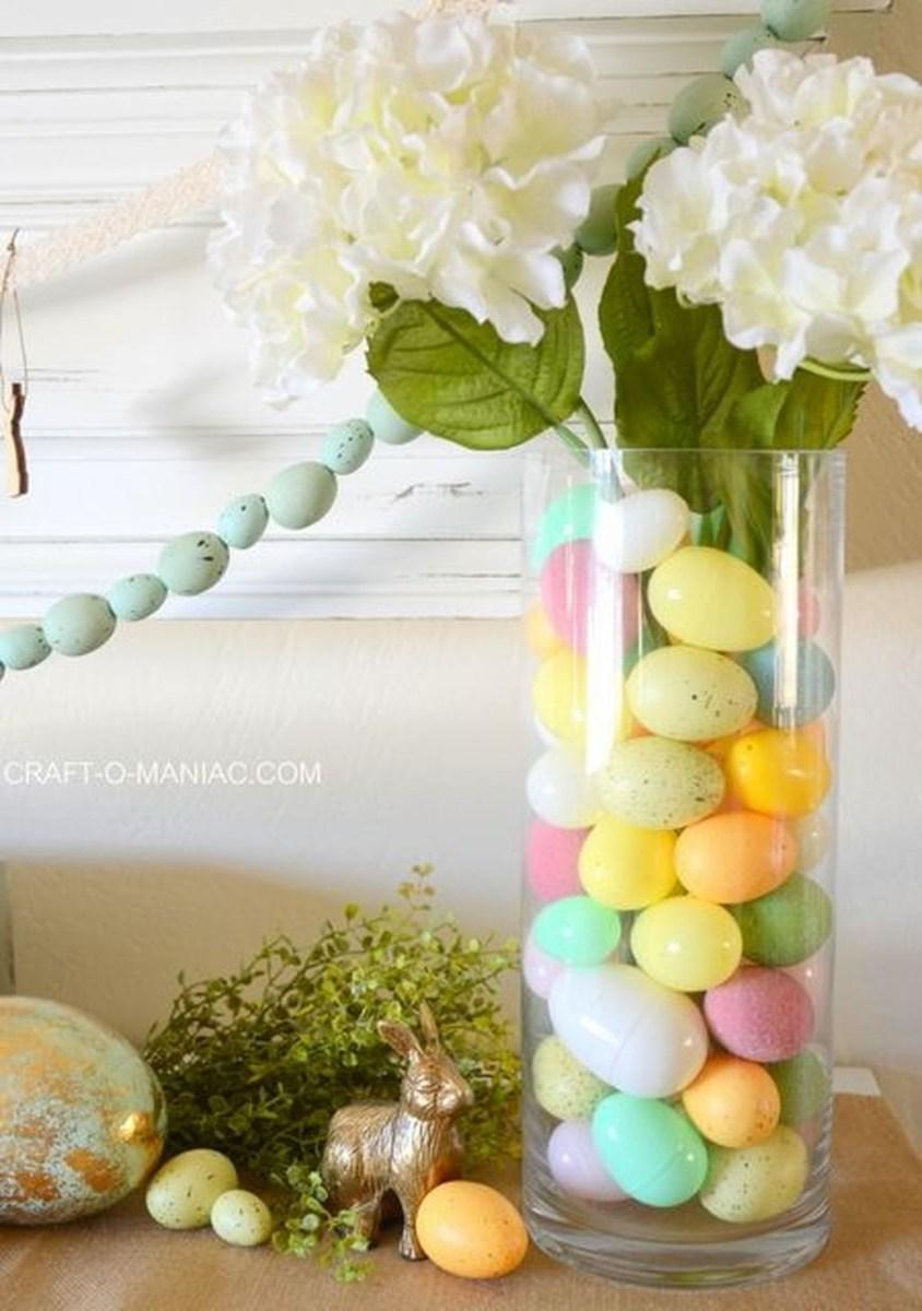 Lovely Easter Living Room Decor Ideas 34