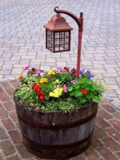 Lovely Small Flower Gardens And Plants Ideas For Your Front Yard 07