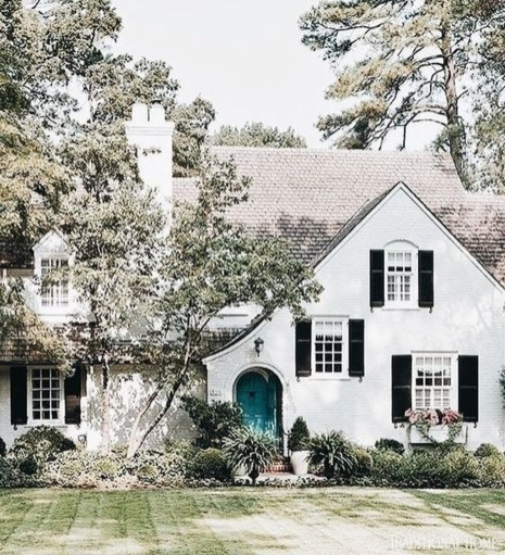 Stylish French Country Exterior For Your Home Design Inspiration 17
