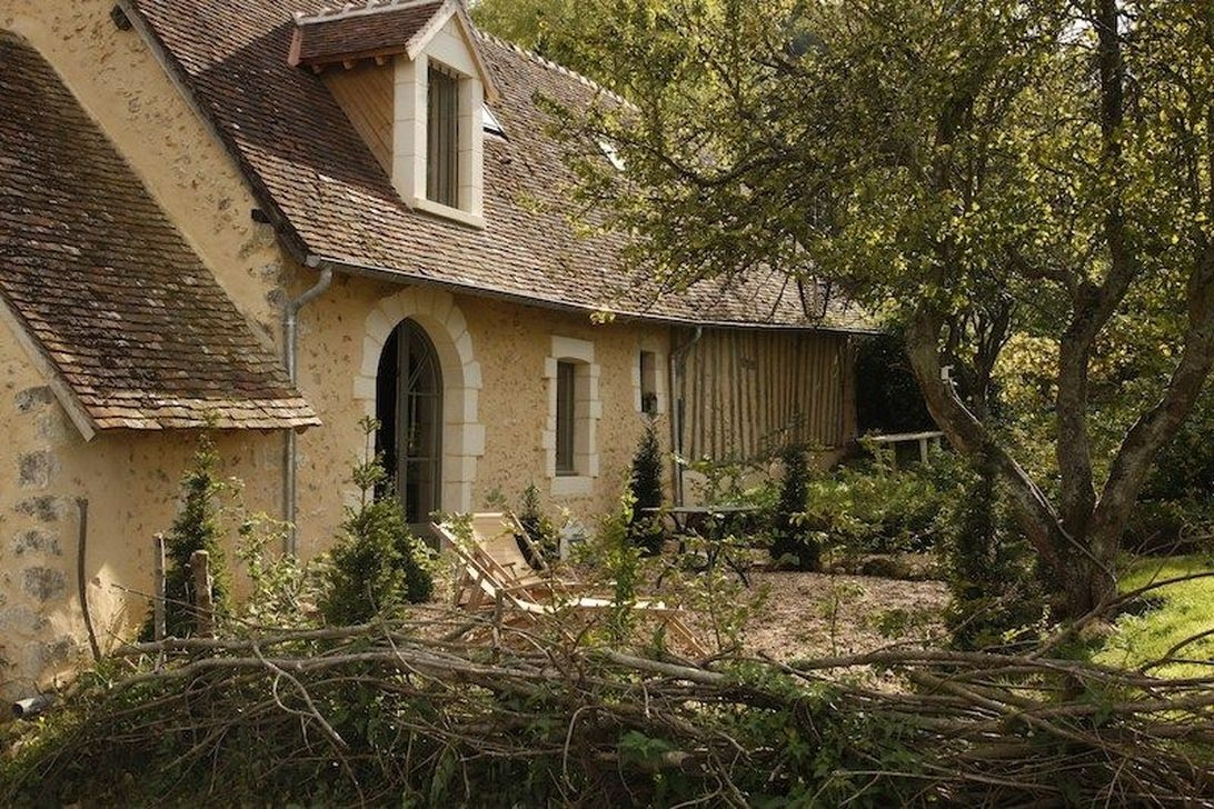 Stylish French Country Exterior For Your Home Design Inspiration 20