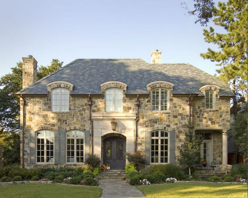 Stylish French Country Exterior For Your Home Design Inspiration 43