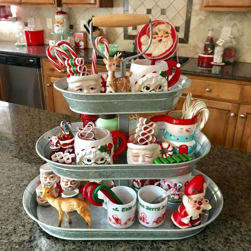 Amazing Christmas Decor For Kitchen Table 08