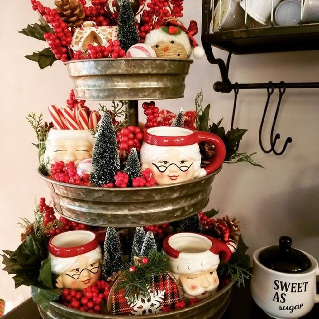 Amazing Christmas Decor For Kitchen Table 15