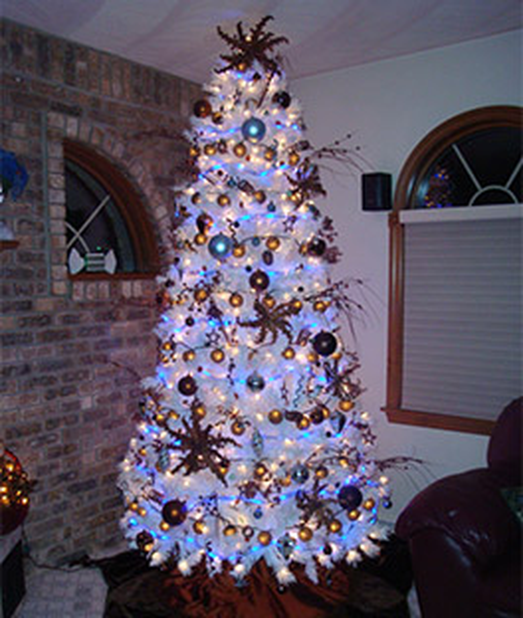 Amazing Christmas Lights Tree Decoration Ideas 10