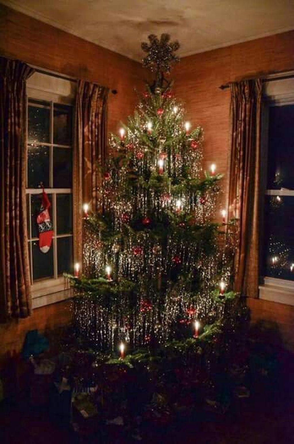 Amazing Christmas Lights Tree Decoration Ideas 12
