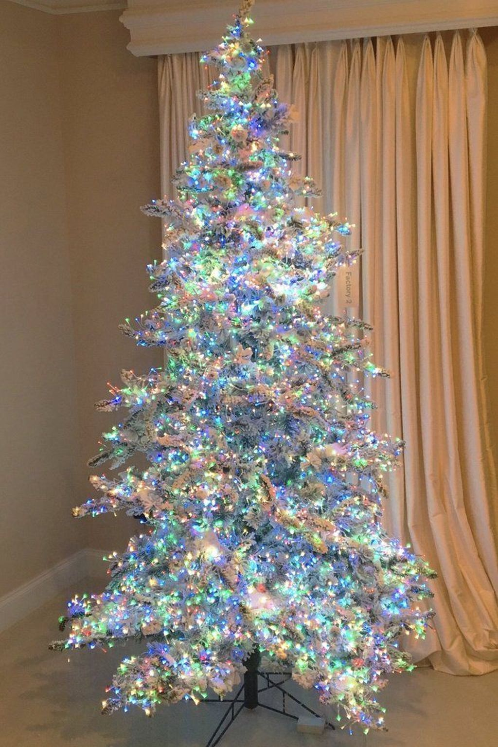Amazing Christmas Lights Tree Decoration Ideas 23