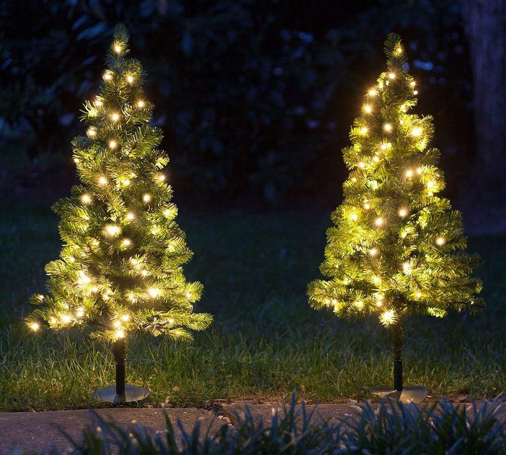 Amazing Christmas Lights Tree Decoration Ideas 28