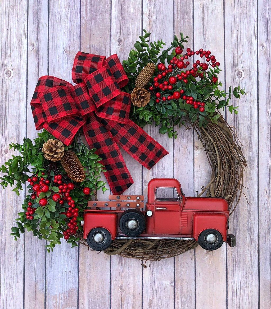 Beautiful Christmas Wreaths Decor Ideas You Should Copy Now 03