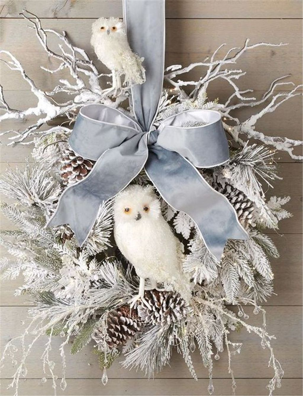 Beautiful Christmas Wreaths Decor Ideas You Should Copy Now 18