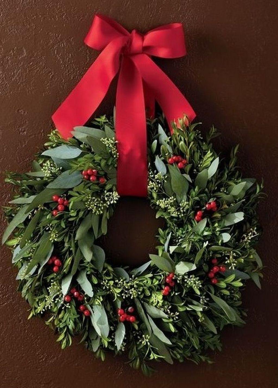 Beautiful Christmas Wreaths Decor Ideas You Should Copy Now 32