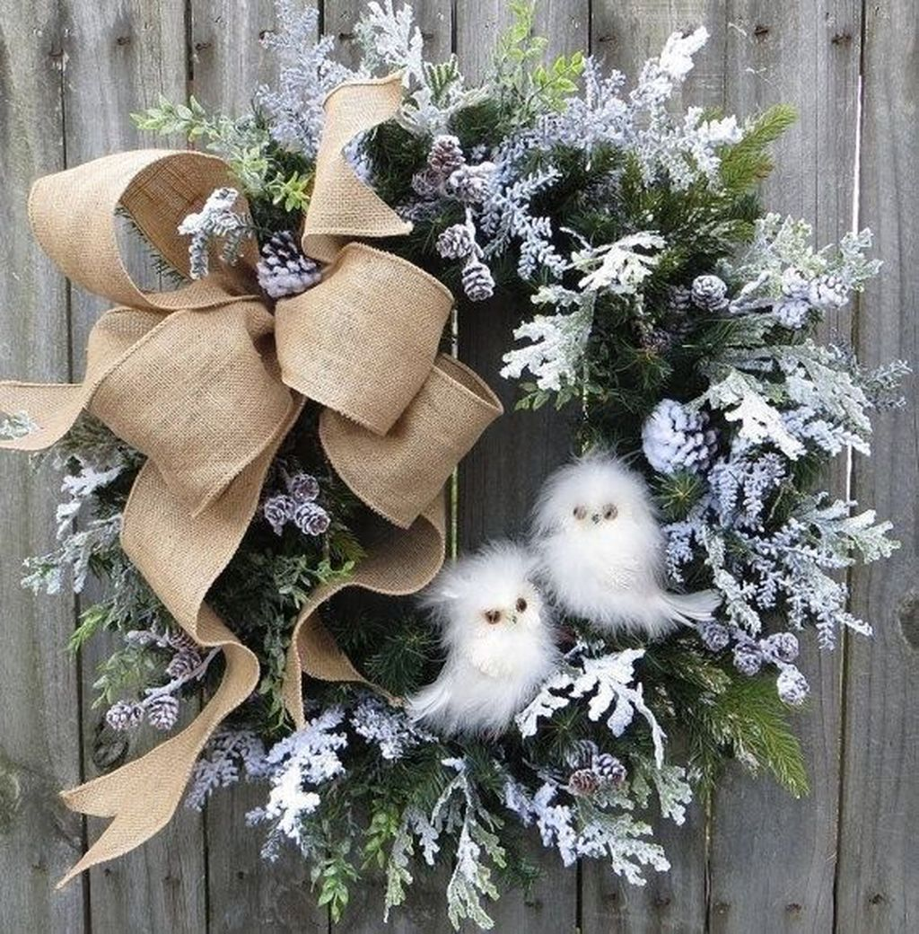 Beautiful Winter Wreaths Design Ideas 04