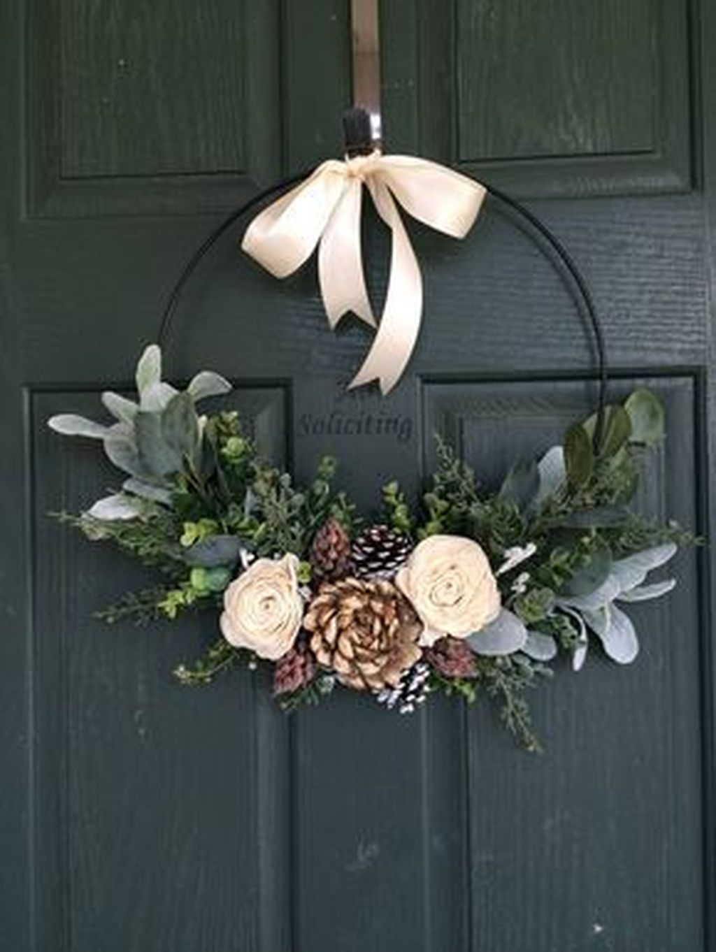 Beautiful Winter Wreaths Design Ideas 18