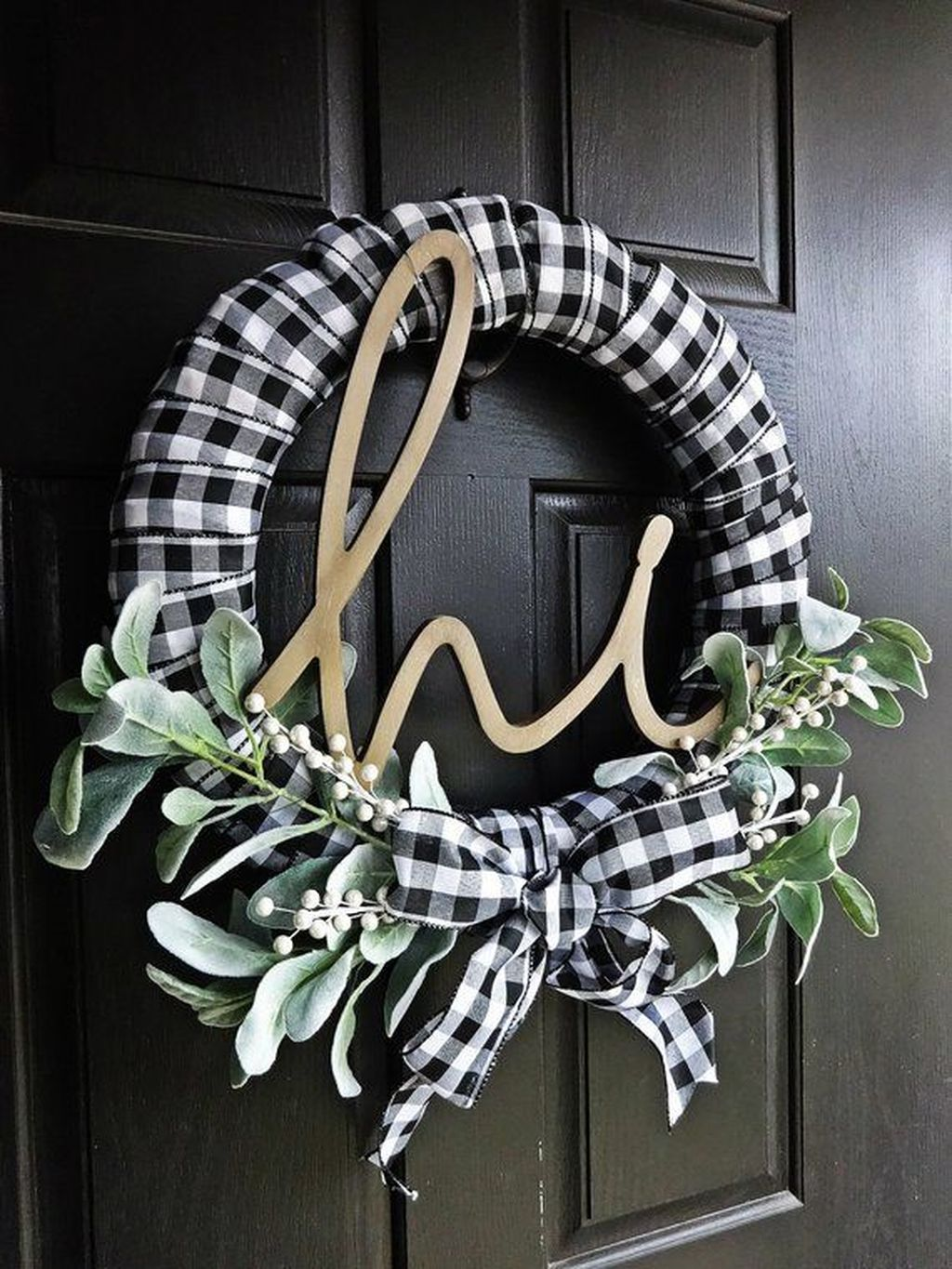 Beautiful Winter Wreaths Design Ideas 22