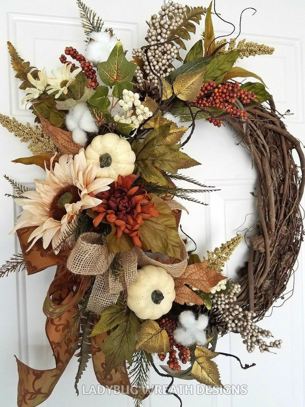 Beautiful Winter Wreaths Design Ideas 28