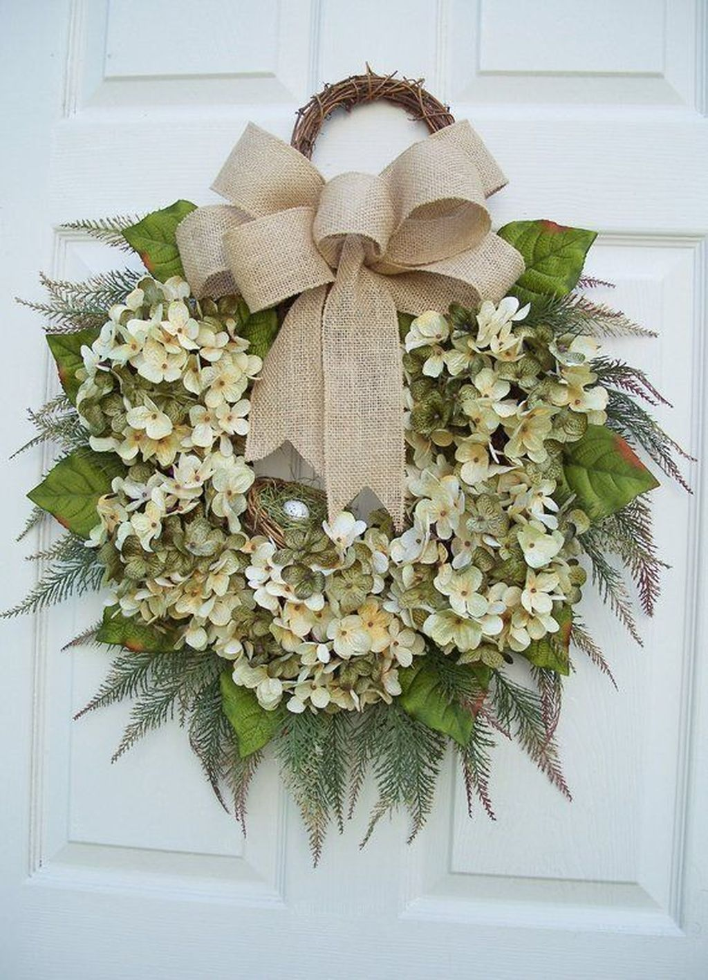 Beautiful Winter Wreaths Design Ideas 29