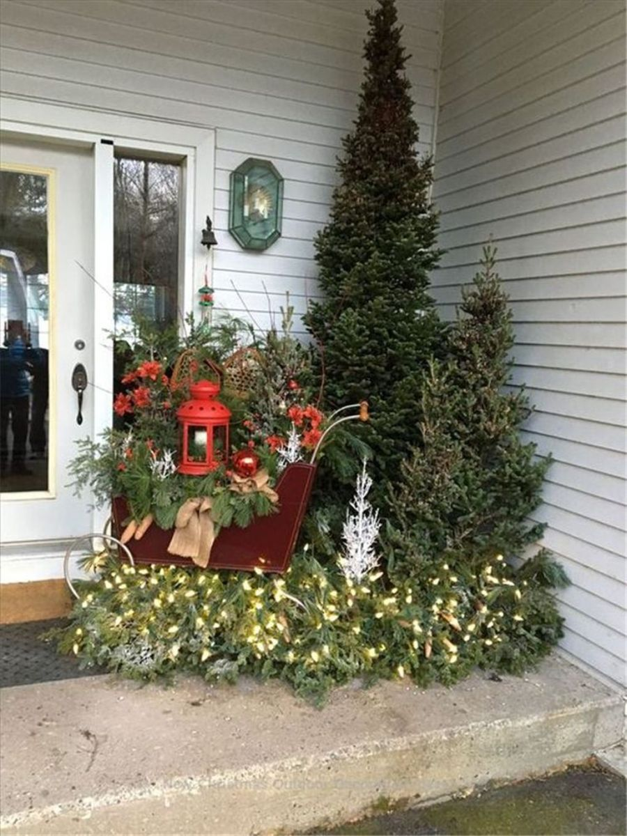Fabulous Christmas Patio Decor Ideas 13