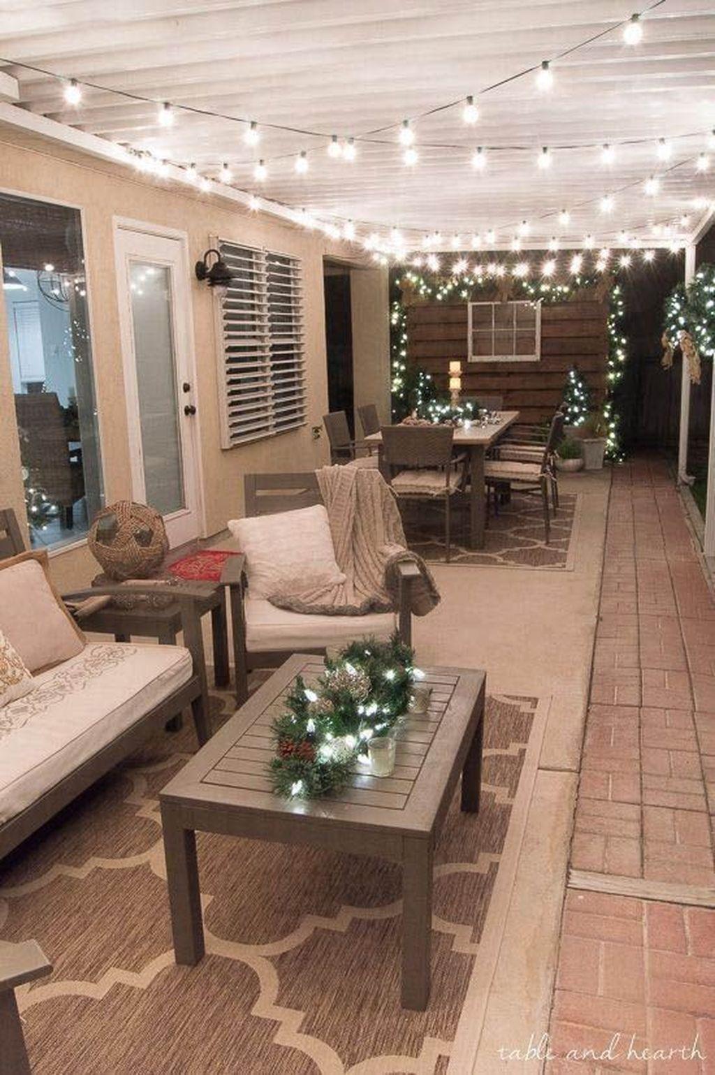 Fabulous Christmas Patio Decor Ideas 14