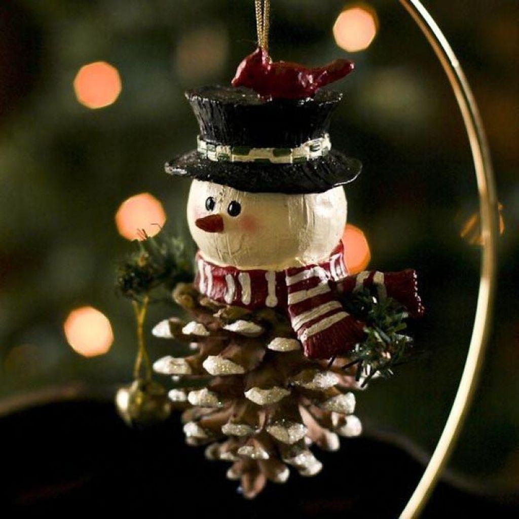 Fabulous Christmas Pine Cone Decorations 05