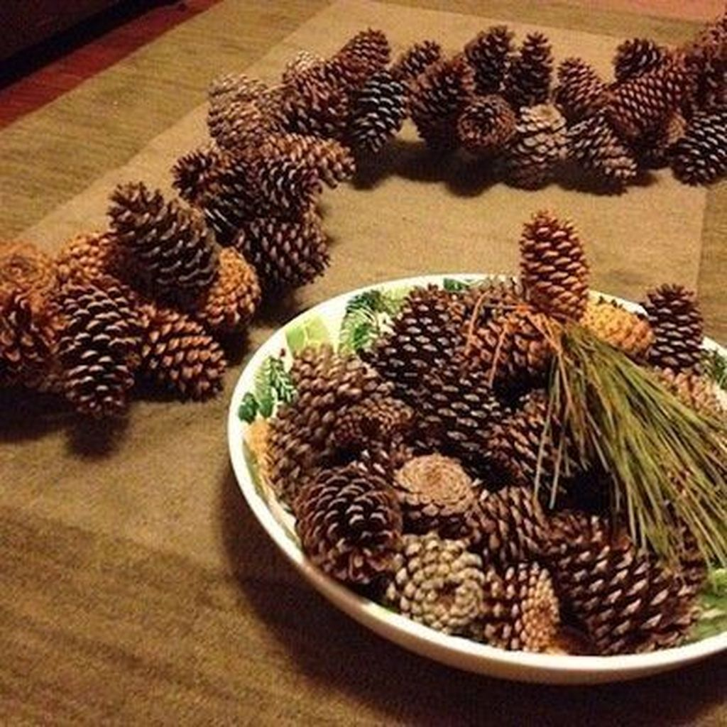 Fabulous Christmas Pine Cone Decorations 12