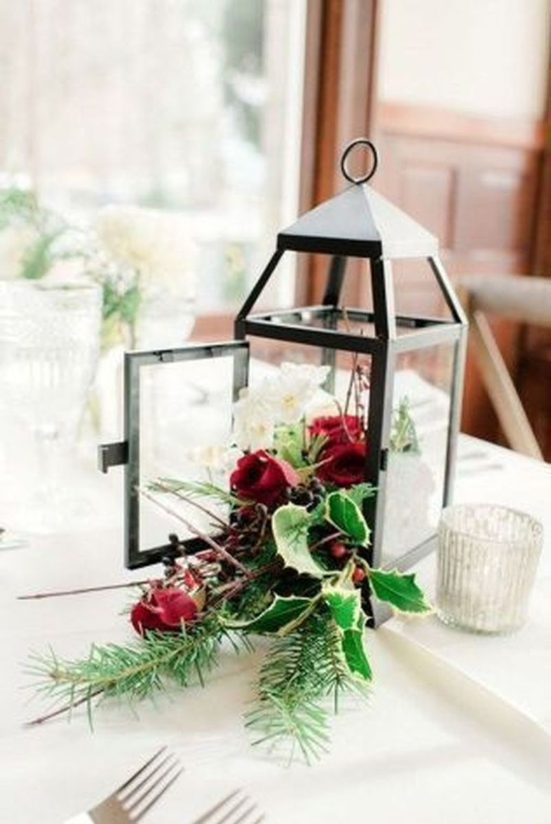 Fabulous Winter Lantern Centerpieces Ideas 31