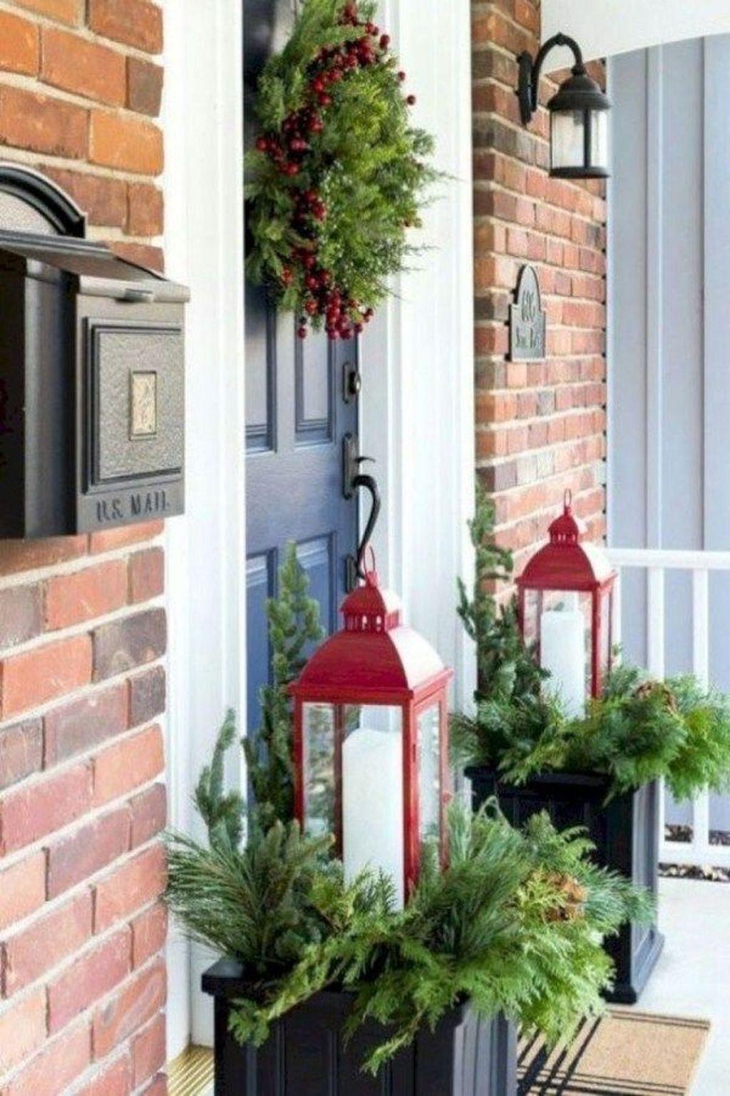 Gorgeous Winter Porch Decor Ideas 06