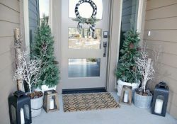 Gorgeous Winter Porch Decor Ideas 08