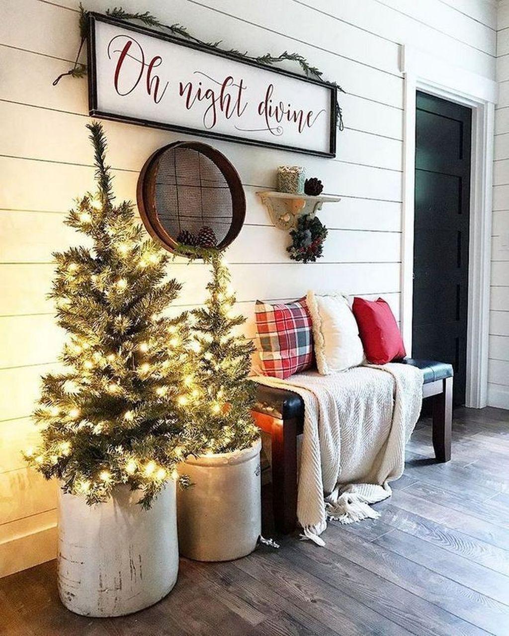 Gorgeous Winter Porch Decor Ideas 29