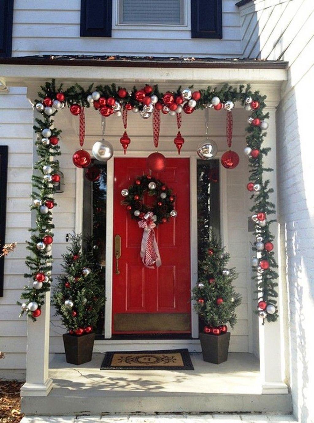 Gorgeous Winter Porch Decor Ideas 30
