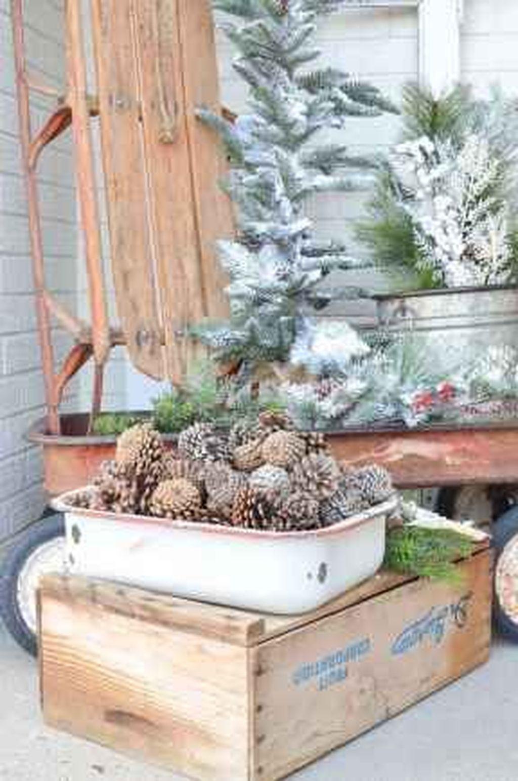 Gorgeous Winter Porch Decor Ideas 32