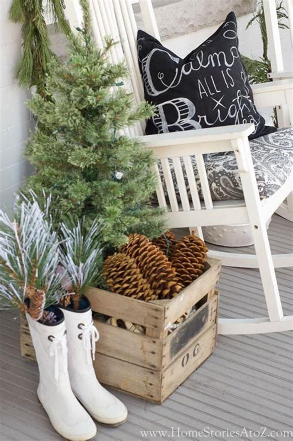 Gorgeous Winter Porch Decor Ideas 33