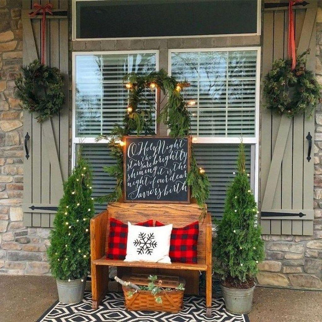 Gorgeous Winter Porch Decor Ideas 39