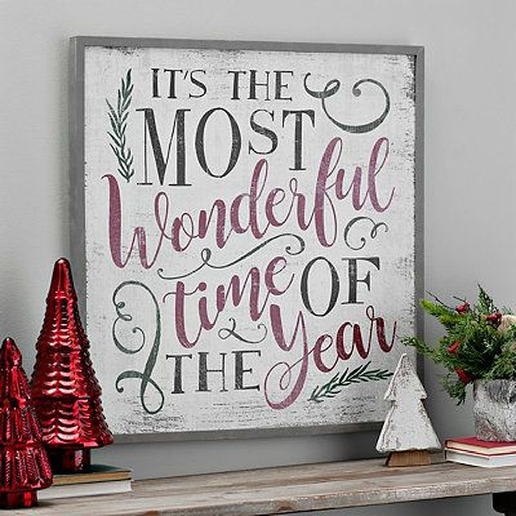 Lovely Christmas Wall Decor Ideas For Your Homes 04