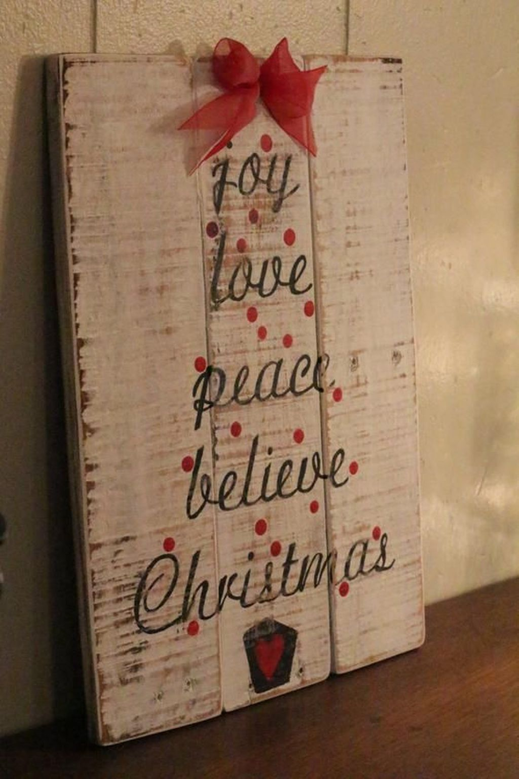 Lovely Christmas Wall Decor Ideas For Your Homes 12