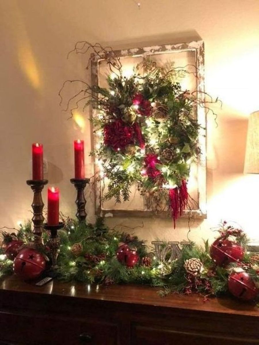 Lovely Christmas Wall Decor Ideas For Your Homes 15