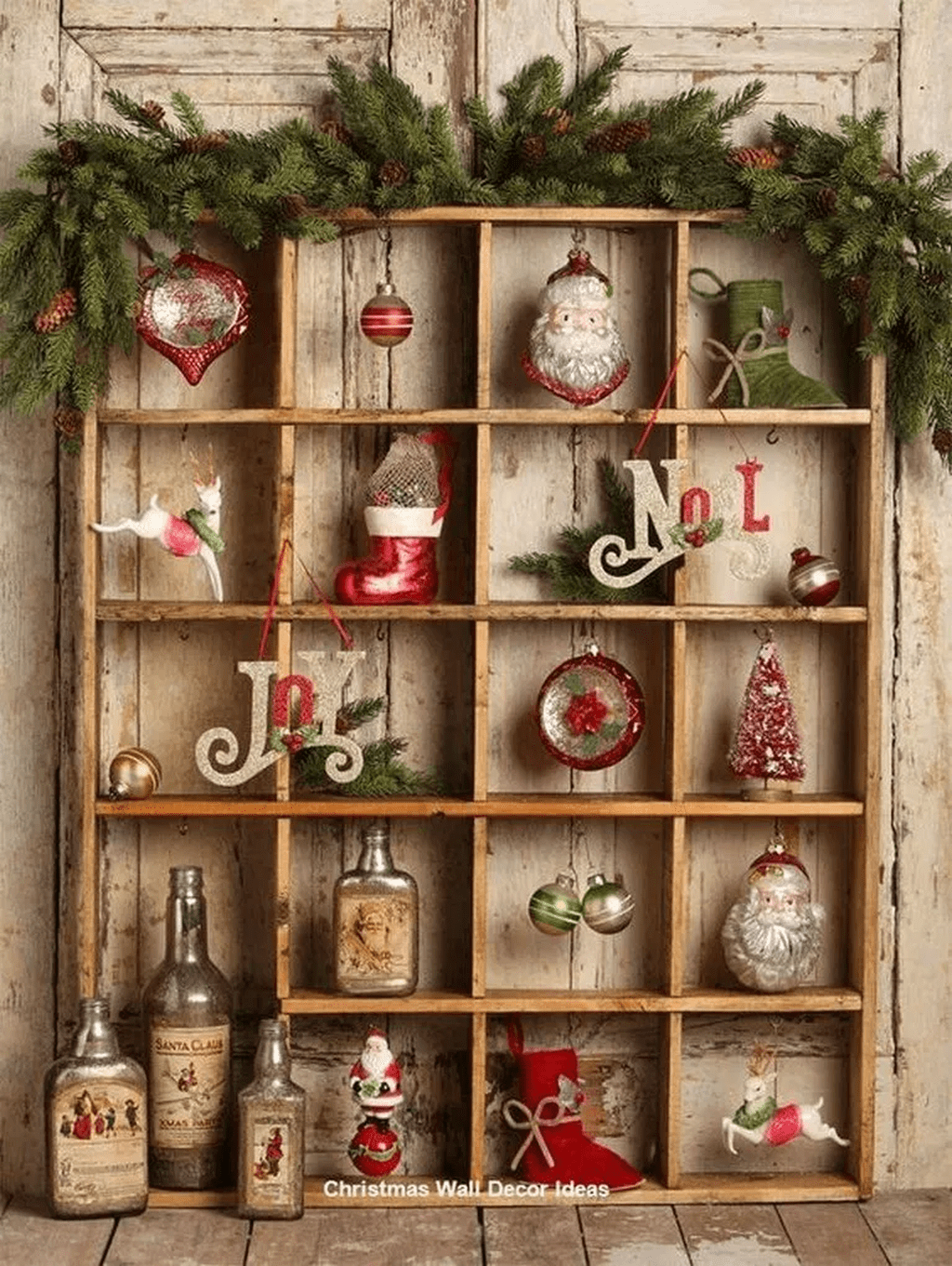Lovely Christmas Wall Decor Ideas For Your Homes 42