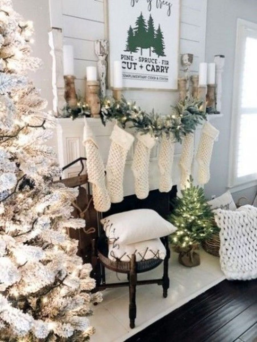 Lovely Winter Wonderland Home Decoration Ideas Look Beautiful 05