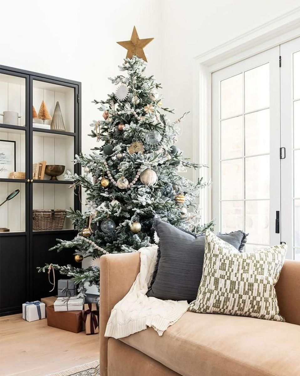 Lovely Winter Wonderland Home Decoration Ideas Look Beautiful 07