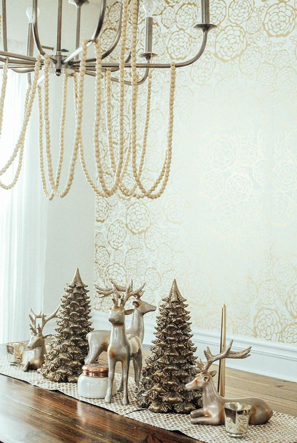 Lovely Winter Wonderland Home Decoration Ideas Look Beautiful 08