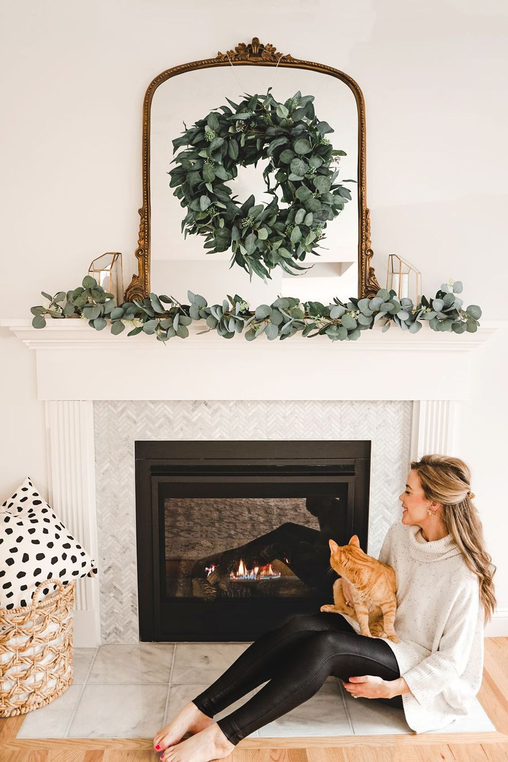 Nice Fireplace Decor Ideas Best For Wintertime 26