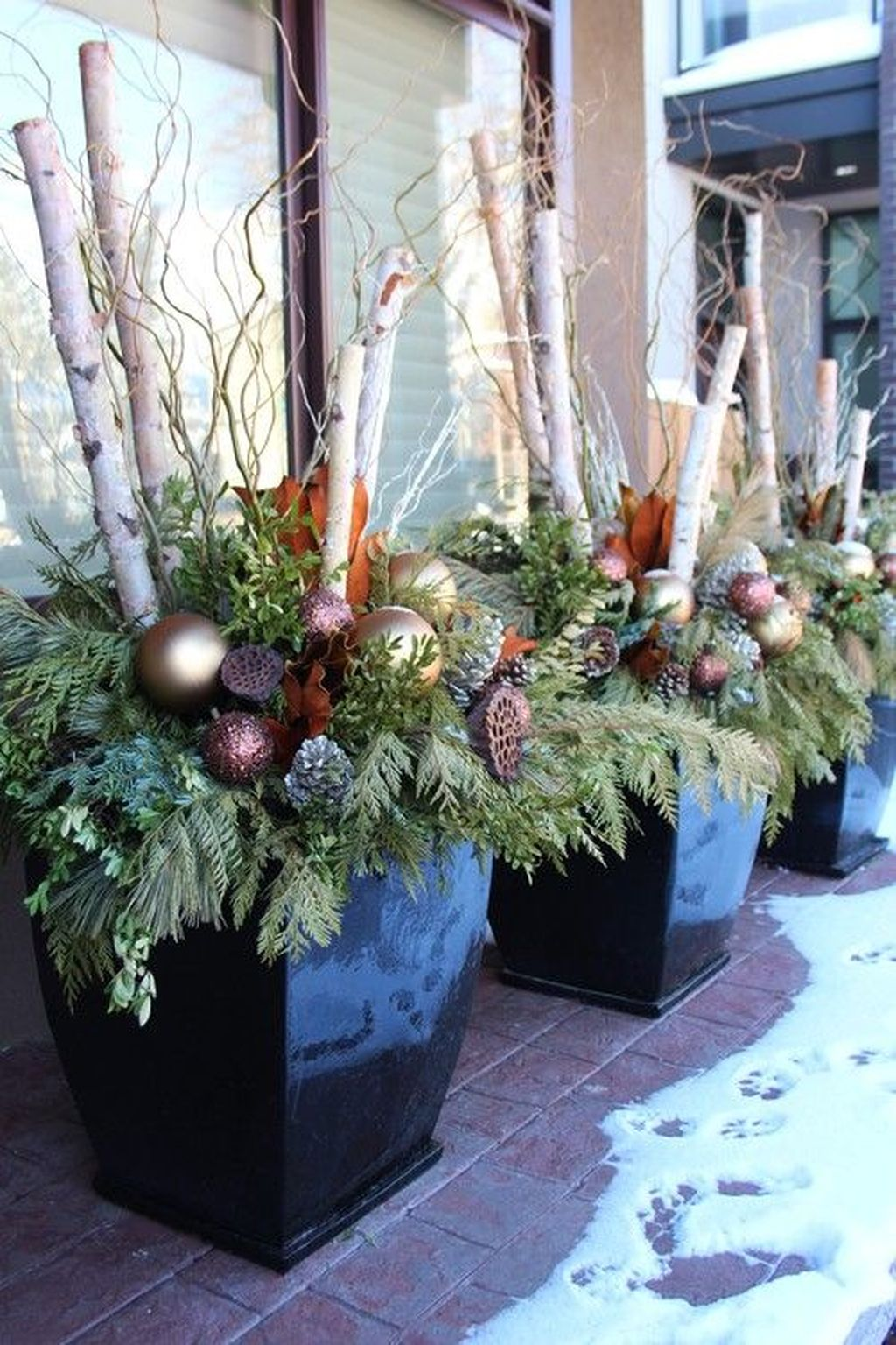 Perfect Outdoor Winter Planters Ideas 09