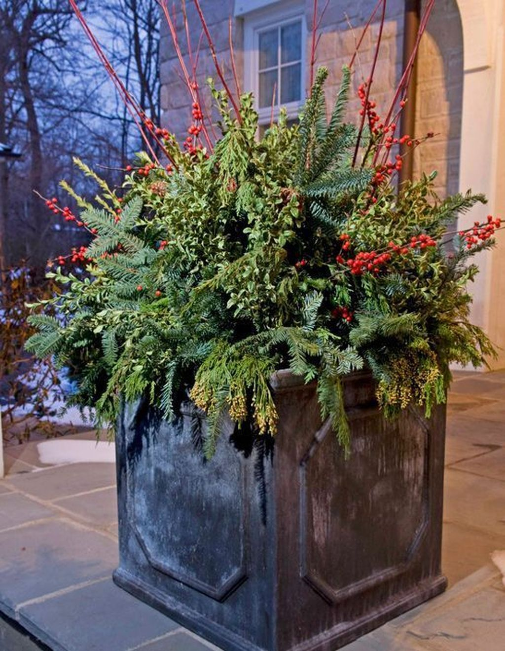 Perfect Outdoor Winter Planters Ideas 12