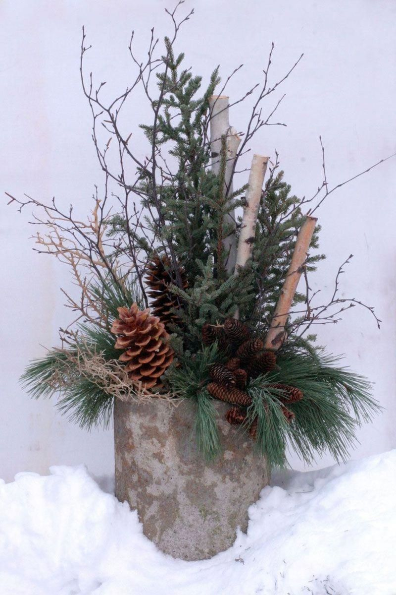 Perfect Outdoor Winter Planters Ideas 20