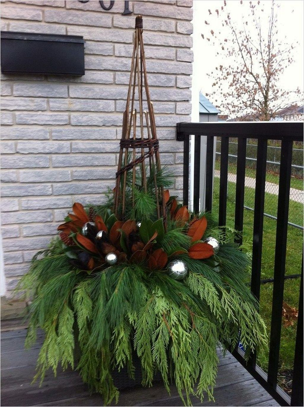 Perfect Outdoor Winter Planters Ideas 25
